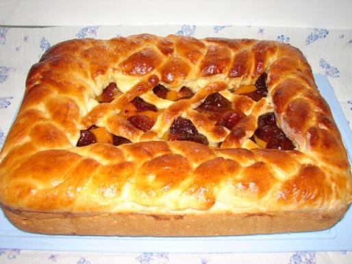 Рецепт. Пирог с курагой дрожжевой